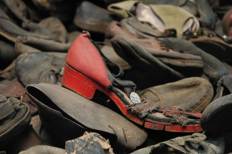 shoes-auschwitz