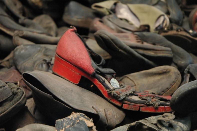 shoes-auschwitz